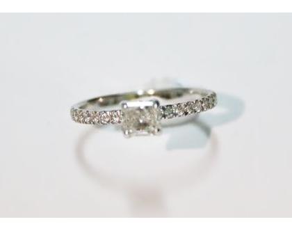טבעת אירוסין קלאסית מיוחדת  טבעת יהלומים   זהב לבן 14K