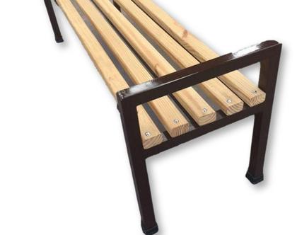 ספסל עץ וברזל
