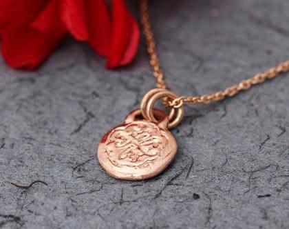 שרשרת זהב אדום,תליון תלתן זהב, שרשרת זהב מעוטרת, שרשרת 14 קרט, תליון מטבע מזהב, תליון למזל, שרשרת עדינה, תליון זהב מיוחד, תליון זהב מתנה