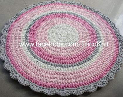 שטיח סרוג עגול ורוד, אפור ושמנת בקוטר 1.10 מטר