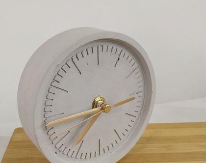 שעון שולחני מבטון, מתנה מקורית, מתנה לגבר, מתנה לקולגה בעבודה, מתנה למנהל, מתנה לחבר, מתנה למשרד
