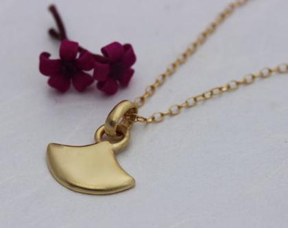 שרשרת זהב 14K, תליון זהב מט, שרשרת זהב אמיתי, תליון זהב משולש, שרשרת זהב מנימליסטית, שרשרת מעוצבת, תליון זהב מעוצב, תליון זהב מיוחד