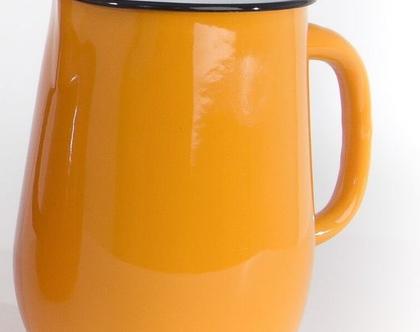 קנקן מים מאמייל בצבע חרדל