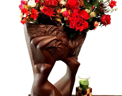 """אגרטל פסל גדול """"תאומות"""". גבוה ומיוחד בצבע חום מט. עיצוב בחורות . מק""""ט 1056"""