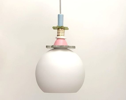 כדור זכוכית חלבית לחדר של ילדה ולא רק, מפיץ המון אור