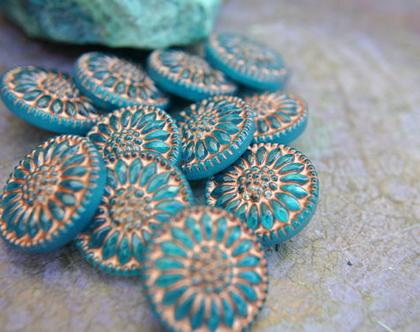 """כפתור זכוכית פרח בצבע כחול כפתור אומנותי עבודת יד וצביעת יד בגודל 18 מ""""מ תוצרת צ'כיה"""