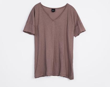 טישרט ורודה, טישרט עם מחשוף וי, חולצה קצרה יפה, חולצה עם שרוול קצר, חולצה קצרה