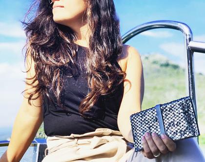ארנק נשים קטן ● ארנקי נשים ● ארנקי עור קטנים לנשים ● מתנות נשים מיוחדות ● ארנק מעור רך ● ארנק אפור נשים ● ארנק כסוף מיוחד