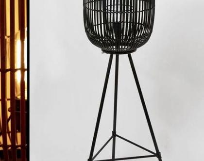 מנורת במבוק על רגל