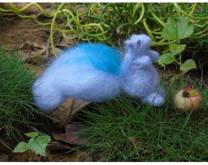 סנאי סגול - בובת סנאי בליבוד מחט - סנאי עבודת יד - מתנה לילד - בובה למשחק דימיון