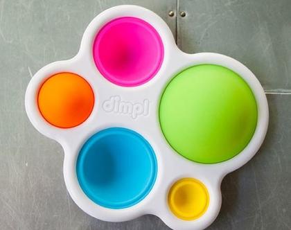 אזל!!דימפל - 5 בועות צבעוניות וגמישות מסיליקון במסגרת פלסטיק קשיחה  משחק פשוט ונפלא לפיתוח מיומנות התחושה אצל תינוקות המוקסמים מתנועת הבועות