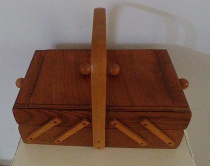 קופסת כלי תפירה וינטג'