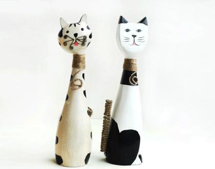 זוג פסלוני עץ של חתולים | פסל של חתול
