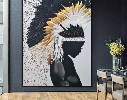 """""""אינדיאנית"""" - יצירה בעבודת יד של אישה אינדיאנית עם נוצות אמיתיות בצבעים שונים, והזלפות צבע.."""