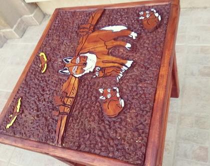 שולחן קפה מעץ מלא בעבודת יד -זאבים