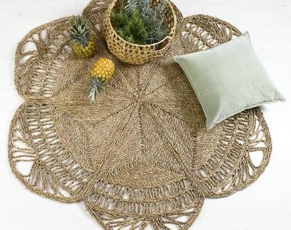 """שטיח קש עגול קלוע מעשב ים בצבע טבעי בדוגמת פרח במידות 120 150 ס""""מ I שטיח חבל"""