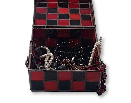תיבת תכשיטים עבודת יד