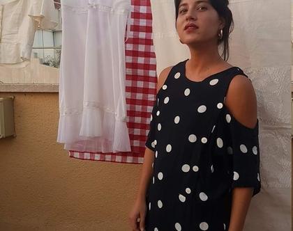 שמלת נקודות, שמלה בצבע כחול כהה, שמלה וינטג', שמלה עד מתחת לברך, שמלה עם פתחים בכתפיים, שמלה אובר סייז, שמלה שרוול קצר, שמלה רחבה, שמלת קיץ