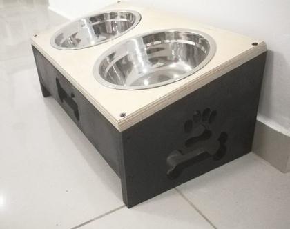 מעמד אוכל לכלב מעץ בעבודת יד
