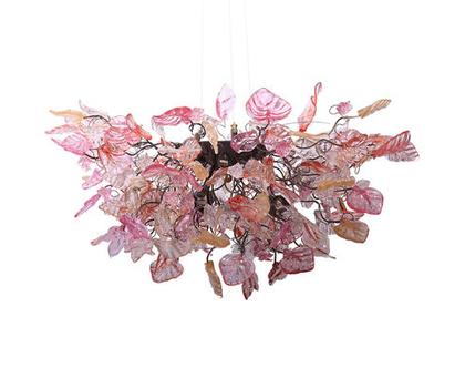 """מנורת תקרה """"חללית"""" פרחים ועלים בצבעים של ורוד עתיק וזהב"""