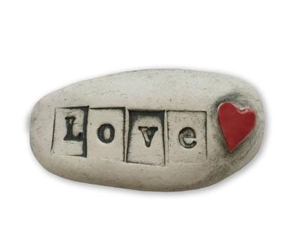מגנט Love לב אדום