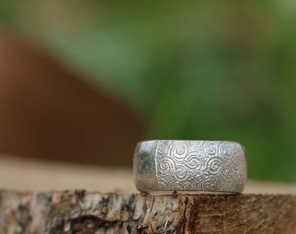טבעת בומביימכסף עם דוגמת ספירלה / R-93