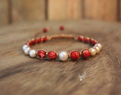 צמיד אדום / צמיד אבני חן טבעיות / צמיד שמבלה / צמיד פנינים / צמיד מקרמה / צמיד לאישה