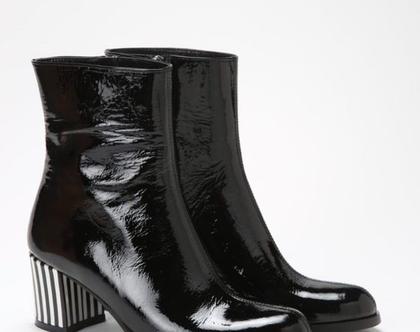 מגפיים מעוצבים, מגפיים שחורים עם עקב, מגפיי לק שחורים, מגפיים מיוחדים