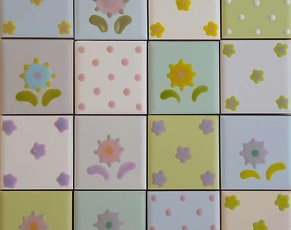 6 - 16 אריחים קטנים במבצע - 30% הנחה, הם מצויירים צבעוניים בירוק, ורוד, תכלת וצהוב