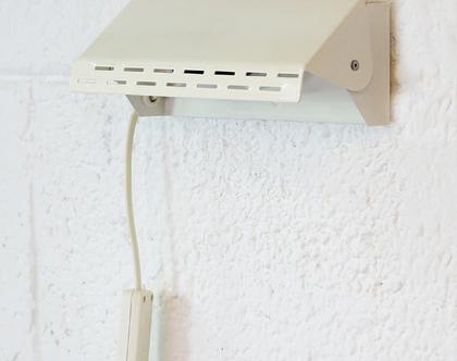 מנורת וינטאג׳ צמודת קיר בגוון שמנת, מנורת קיר וינטג׳, מנורת מסדרון שמנת