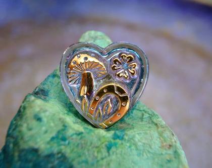 """כפתור זכוכית בצורת לב עיטורים בזהב עבודת יד וצביעת יד בגודל 27 מ""""מ תוצרת צ'כיה"""