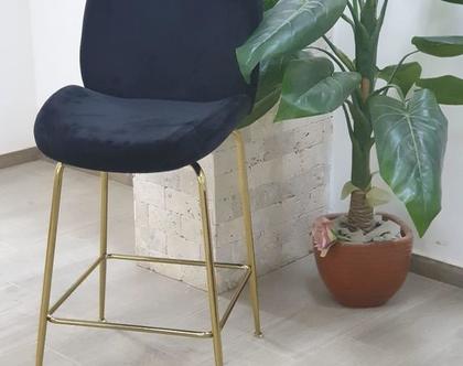 """כיסא בר קטיפה דגם צדפה גובה מושב 68 ס""""מ צבע שחור רגל זהב / שחור / ניקל"""