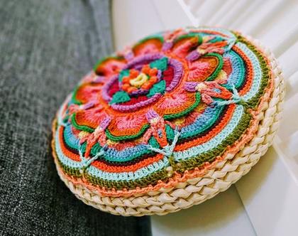כרית יוגה/כרית סרוגה עבודת יד/כרית צבעונית עגולה/ כרית בשילוב צבעים נעימים/כרית יחודית