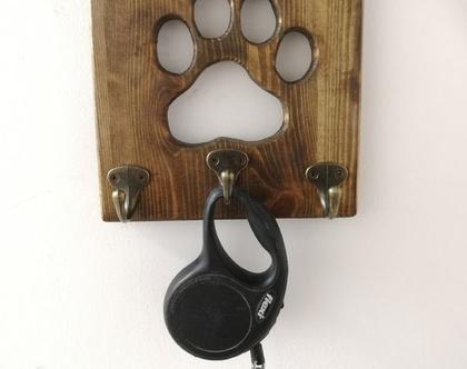 מתלה למפתחות ולרצועה של כלב