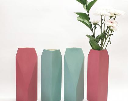 אגרטל גאומטרי, אגרטל פרחים מקרמיקה, ואזה לפרחים, אגרטלים לבית, קרמיקה בעבודת יד, עיצוב הבית, עיצוב מינימליסטי, עיצוב מודרני, מתנה לחג