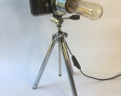 מנורת אווירה רומנטית אומנותית על בסיס מצלמה וחצובת וינטג'