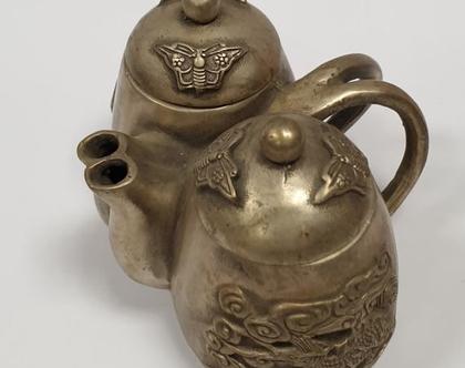 קומקום וינטג' עתיק אסייתי סיני יפני ישן כסף נמוך מרהיב! מעוצב פרפרים דרקונים עיצוב אוריינטלי