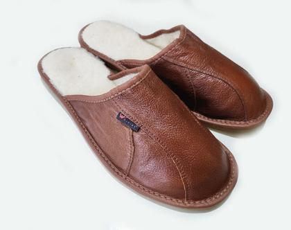 נעלי בית לגבר מעור עם צמר בפנים נעלי בית לחורף נעלי בית לגבר נעלי בית מעור נעלי בית מצמר נעלי בית לגברים נעלי בית חורפיות לגבר