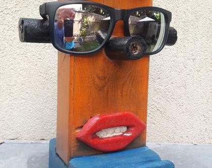 מעמד לטלפון | מעמד למשקפיים | מתקן למשקפיים וטלפון |