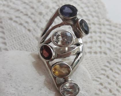 טבעת כסף ואבני חן