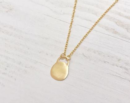 שרשרת זהב צהוב 14 קראט בצורת מנעול שטוח. שרשרת חוליות עדינה, שרשרת בסיס קצרה