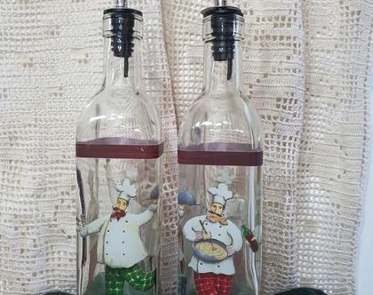 שני בקבוקי זכוכית לשמן - חומץ/ עם פייה ממתכת/ וציורים של טבחים