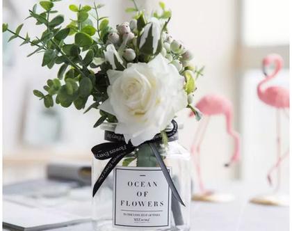 צנצנת שקופה מקושטת עם פרחים מלאכותיים | סגנון נורדי | מקסים!