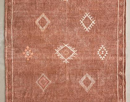 שטיח חום בעיצוב מרוקאי, שטיח בוהו