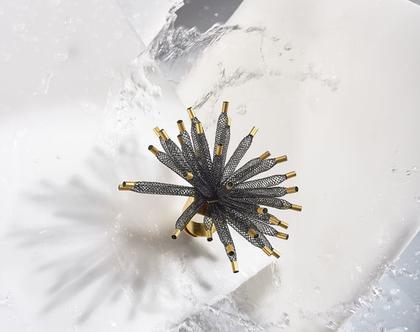 טבעת אלמוג גדולה שחורה עם קצוות זהב