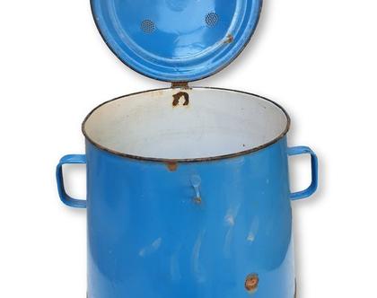 נמכר ! - פח גדול כחול עם מכסה ופתח אורור
