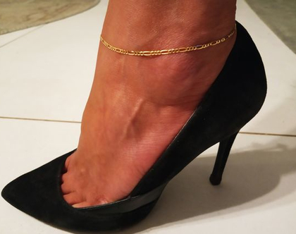 צמיד זהב לרגל כדורים 14 קארט יוקרתי ואיכותי לגבר או לאישה