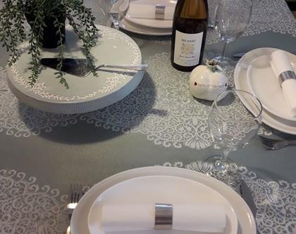 """מפת שולחן - דגם """"רקום"""" טורקיז"""