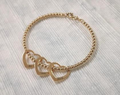 צמיד חריטה לבבות זהב - מתנה לאמא - צמיד לאמא - חריטה שמות - צמיד חריטה לב זהב - חרוזי לייזר