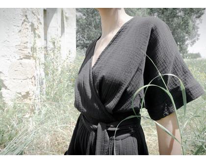 שמלה שחורה  שמלת מעטפת